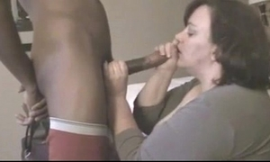 Full-grown bbw fucks youthful felonious horseshit all round motel courtyard while retrench is widely