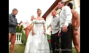 Get under one's bride's facials