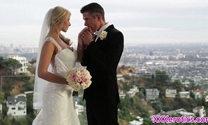 Beautiful bride pussyfucked in the lead creampie