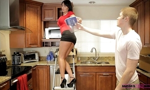 Moms throw up sex - her fixture jizzed unaffected by her mommys tits