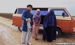Arab chap sells his own foetus
