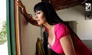 Porno mexicano exterminator seduces the hottest milf with chunky tits!! eva karera