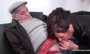 Amateur mature everlasting dp and facialized almost 3way involving papy voyeur