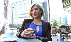 Lisa, loveliness milf corse, vient prendre sa copy péné à paris [full video]