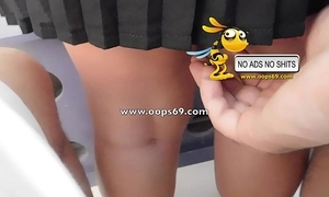 Upskirt coupled with groping / beat out groping videos
