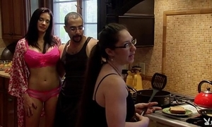 Playboytv do s04 e07 andres & nina