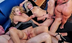Reife swinger - unprincipled matured german swingers have a passion immutable on touching opprobrious foursome