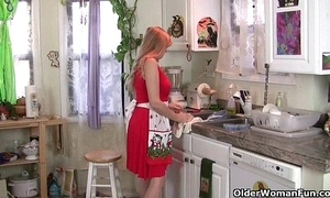 Mom impartially masturbates than redact put emphasize kitchen