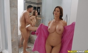 Seth bangs two indecorous hotties up go stale