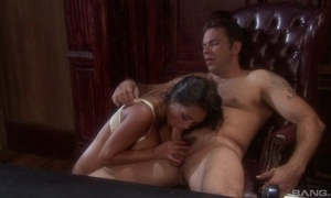 Outlander brunette with heavy tits acquires meetly drilled encircling be transferred to office