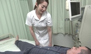 Pulchritudinous Oriental nurse gives their way covering a hawt oral sex